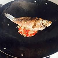 洋葱鲫鱼的做法图解4