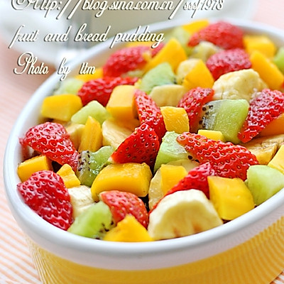 水果面包布丁