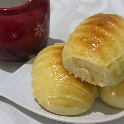 松软奶黄小餐包