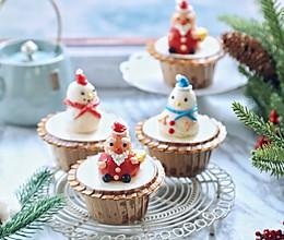 #令人羡慕的圣诞大餐#圣诞风奶油杯子蛋糕的做法