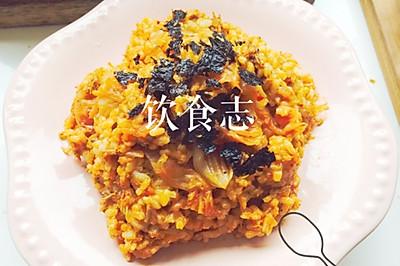 让人食欲大增的辣白菜金枪鱼炒饭