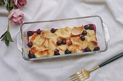 #硬核菜谱制作人#蓝莓面包布丁