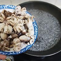 爆炒小章鱼的做法图解2