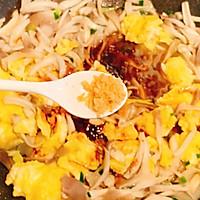 鲜美爽滑的平菇炒鸡蛋,超下饭又美味的做法图解12