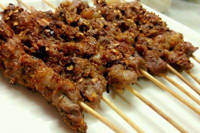在家用烤箱烤羊肉串(超简单版本)
