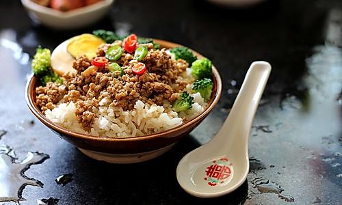 【美味零失败√】台湾卤肉饭的做法