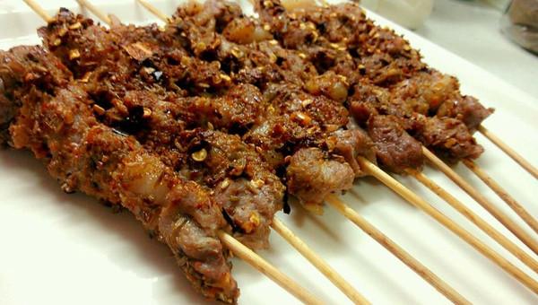 在家用烤箱烤羊肉串(超简单版本)的做法
