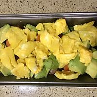 鸡蛋牛油果焗蘑菇的做法图解5
