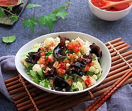 自制减肥菜——凉拌菜花木耳的做法