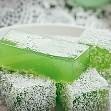 水当当的翡翠黄瓜椰蓉冰粉