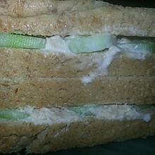 吞拿魚三明治