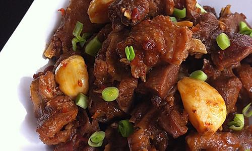 最具诚意的贵州经典宴客菜——【糍粑辣子鸡】的做法