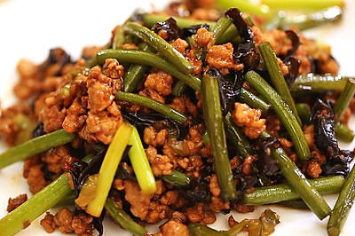 蒜苔炒肉末-迷迭香