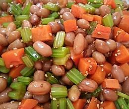 凉拌芹菜花生米胡萝卜丁的做法