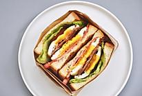 煎蛋培根三明治的做法