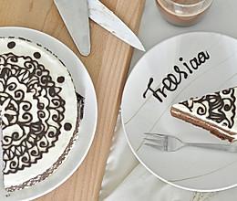可可戚风 巧克力围边奶油蛋糕(视频菜谱)的做法