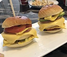 #安佳儿童创意料理#自制蓝莓酱小汉堡的做法