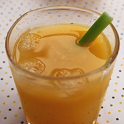 西芹香橙美顏汁