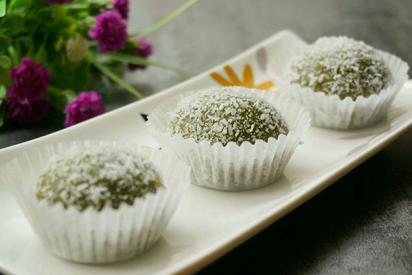 抹茶红豆沙糯米糍的做法