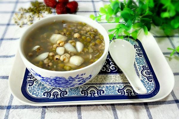绿豆薏米百合汤#美的养生壶#的做法