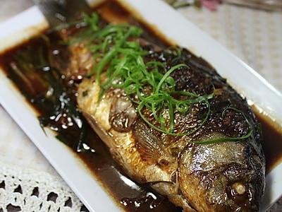 葱烤鲫鱼的做法