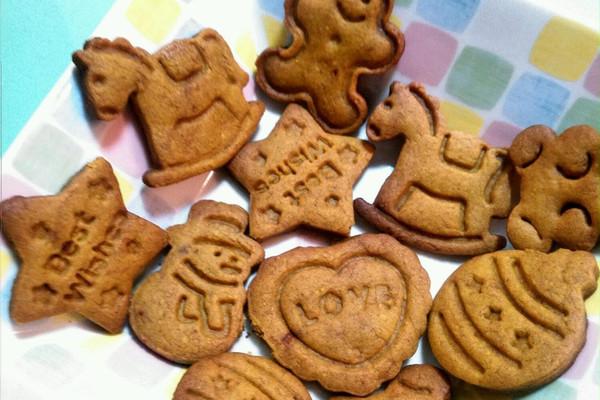 用炒锅烤出圣诞姜饼人的做法