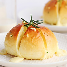 一款从韩国红到全世界的蒜香奶酪包