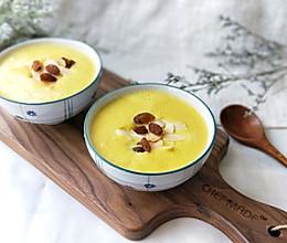家常南瓜腰果葡萄干浓汤的做法