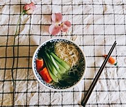 青菜蟹柳面的做法