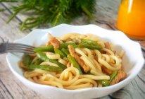 四季豆焖乌冬面:乌冬面新吃法的做法