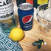鸡尾酒:自由古巴Cuba Libre的做法图解1