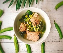初夏来一碗清爽的豌豆黄瓜排骨汤吧~的做法