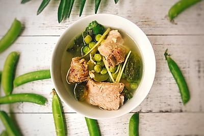 初夏来一碗清爽的豌豆黄瓜排骨汤吧~