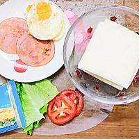 #一人一道拿手菜# 培根三明治的做法图解2