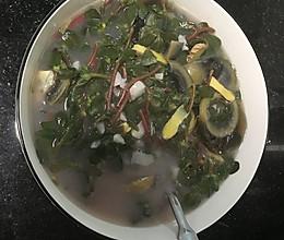 马齿苋蒜头皮蛋汤的做法