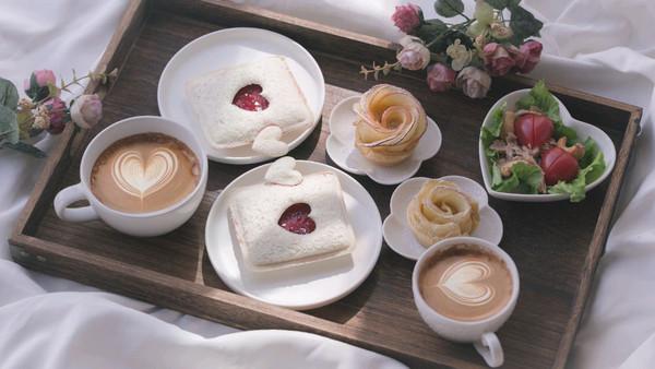 甜蜜的爱心早餐