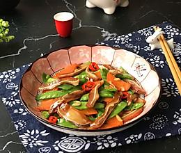 """#美食说出""""新年好""""# 荷兰豆炒层层脆的做法"""