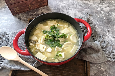 海蛎鱼糕豆腐汤
