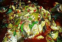 麻辣酸菜藿香鲫鱼的做法