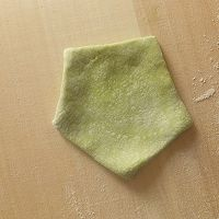 梅花水饺的做法的做法图解4