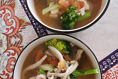 虾仁菌菇西兰花豆腐汤