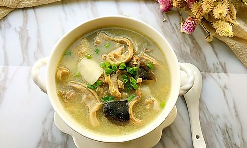 清炖土鸡猪肚汤的做法