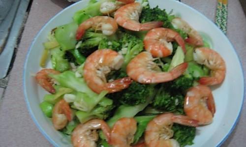 【猫记私房菜】清鲜西兰花炒虾的做法