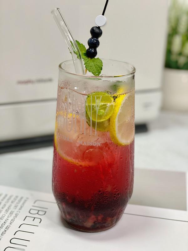 夏日饮品~零卡蓝莓柠檬气泡水