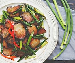 炒蒜苗的不一定是小鲜肉,也可能是老腊肉的做法