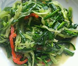 韭菜炒莴苣丛的做法