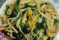 豆皮炒韭菜的做法