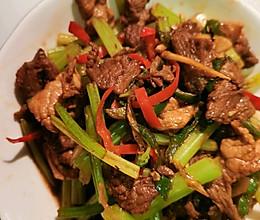 牛肉炒芹菜的做法