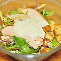 鸡肉酪梨沙拉拌凉面佐烤薯角的做法图解4