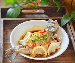 #餐桌上的春日限定#酸辣柠檬蒸鲈鱼的做法